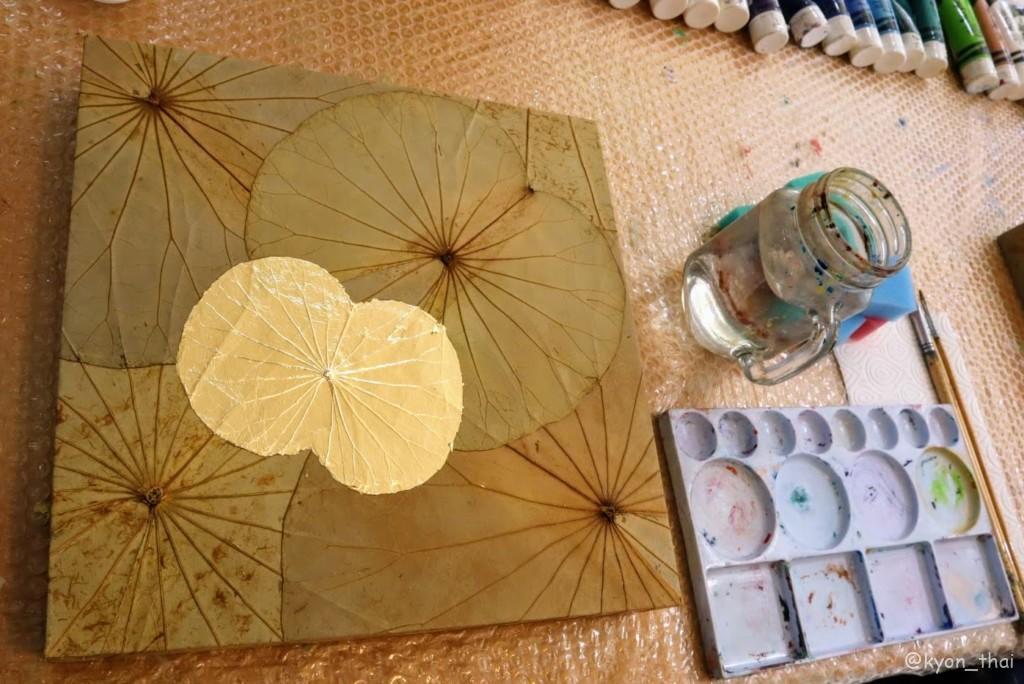 蓮の葉アートのキャンバス