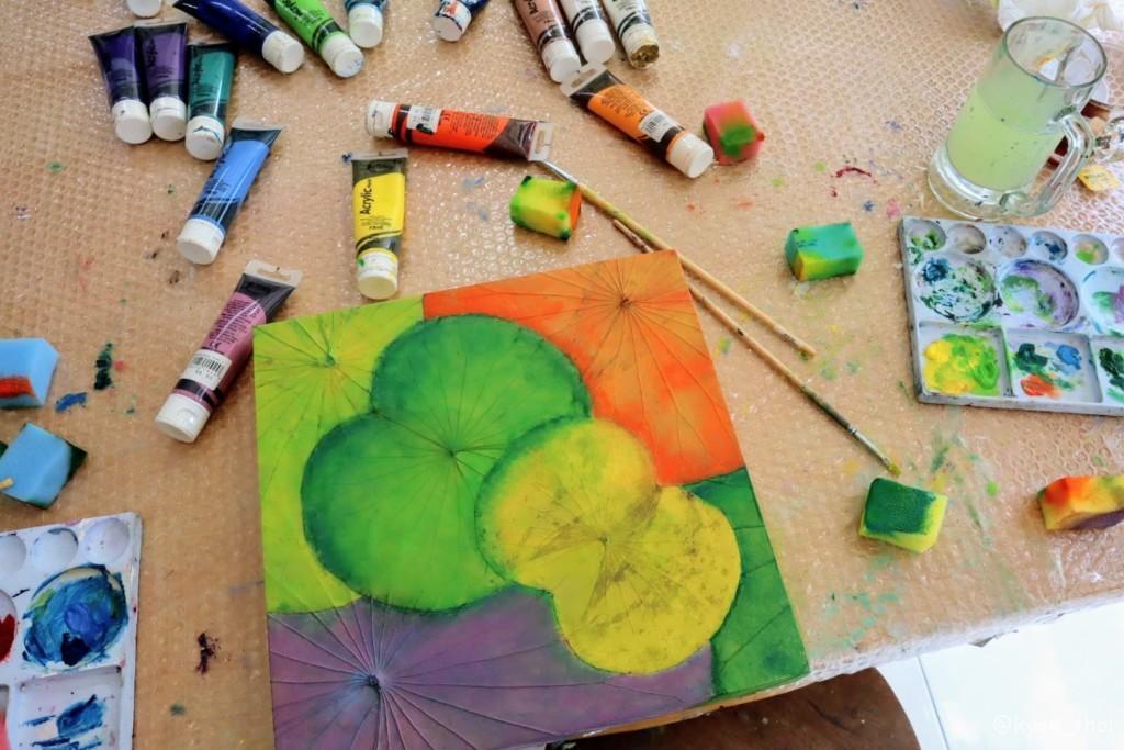 蓮の葉アートの作業風景