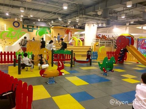 バンコクの子どもの遊び場